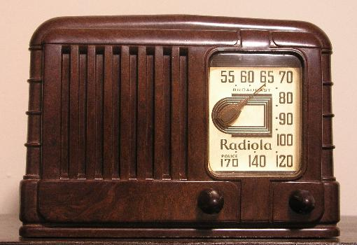 Zen30 also 201720426918 furthermore Antique radio further Vintage Console Record Player moreover File Electronics Illustrated Mar 1961. on tube radios 1940s