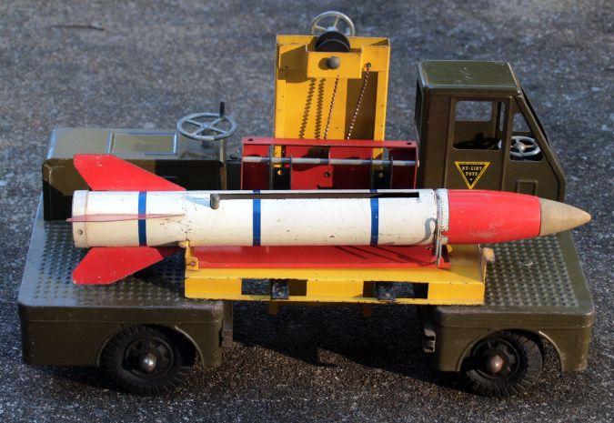 Toy_rocket_launcher_c.jpg
